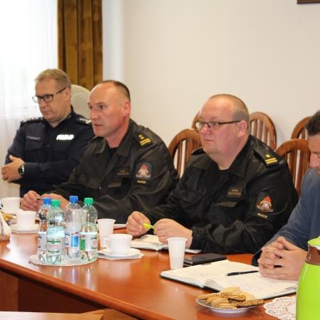 Pożary w Gminie Nowy Duninów tematem posiedzenia Powiatowego Zespołu Zarzadzania Kryzysowego