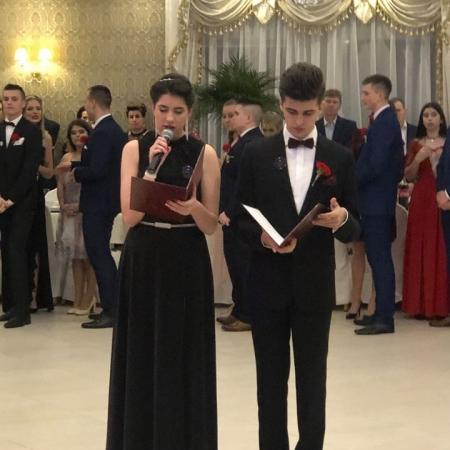 Bal studniówkowy uczniów Zespołu Szkół im. Jana Śniadeckiego w Wyszogrodzie
