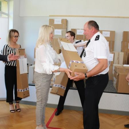 Przekazanie sprzętu ratowniczo-gaśniczego dla jednostek Ochotniczych Straży Pożarnych z terenu powiatu płockiego