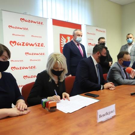 Powiat Płocki otrzymał kolejne środki finansowe na inwestycje drogowe !!!
