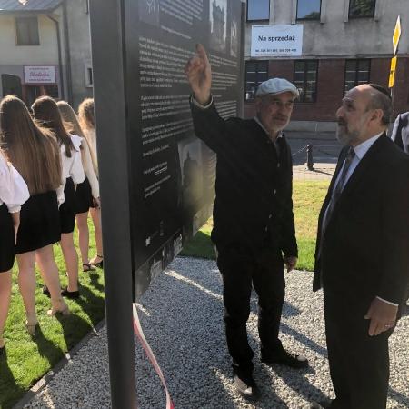 Odsłonili tablicę upamiętniającą żydowską społeczność Gąbina