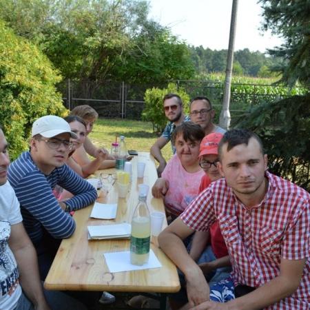 """Zespół """"Grzybowianki"""" w DPS w Koszelewie"""
